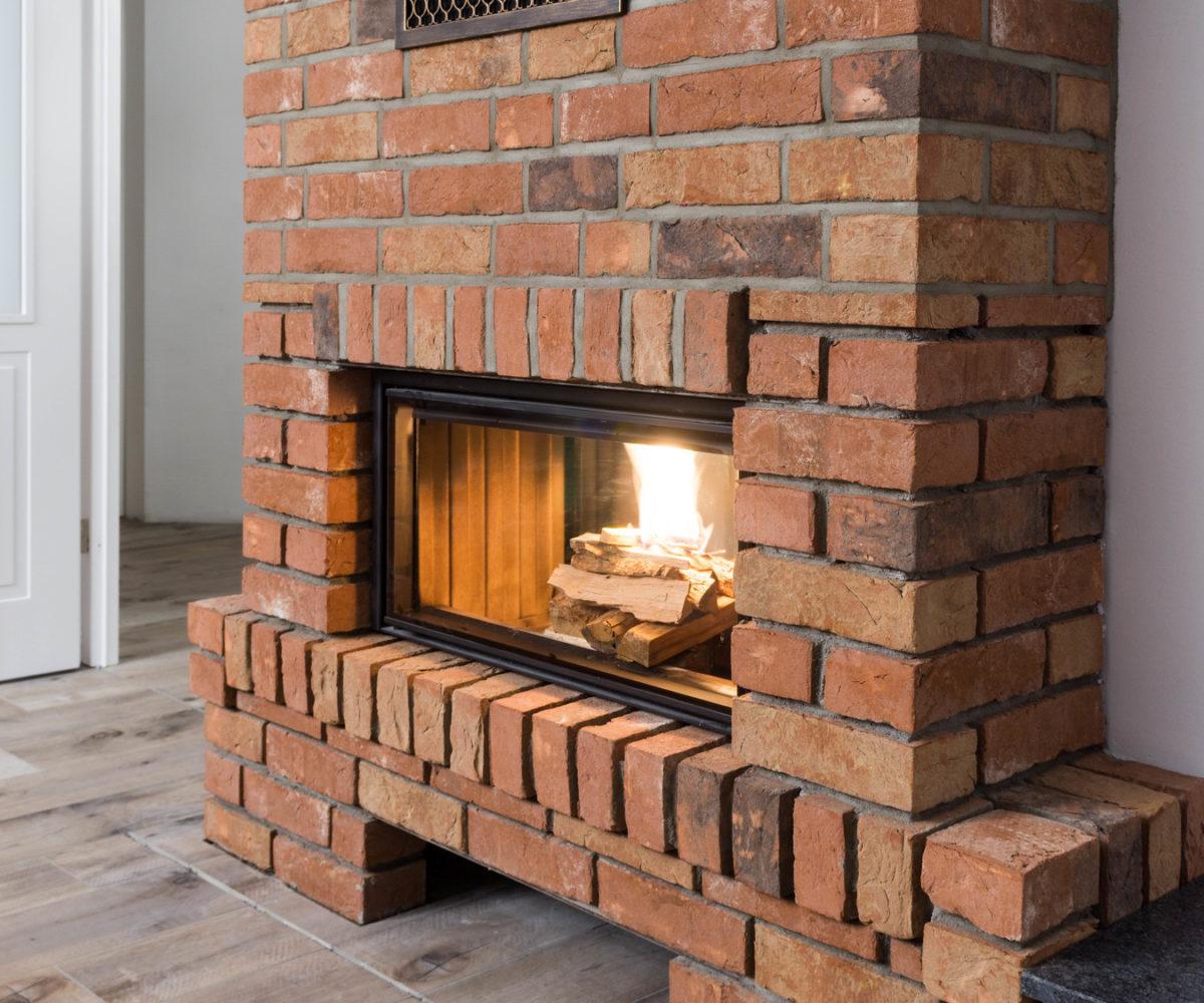 Moderner Kamin oder Ofen